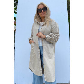 NOELLA - SAND VIKSA TRENCHCOAT, COTTON